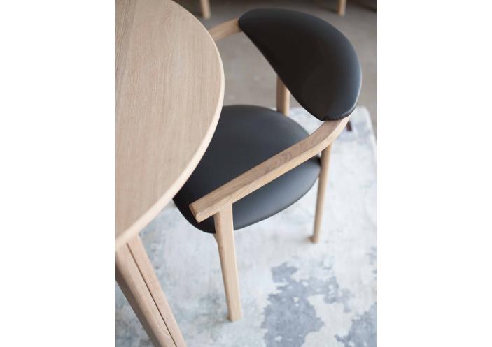 baltic-furniture_gitte-chair_close-up_1585646457-13f18001b8b9744fdcfae0529ee0045e.jpg