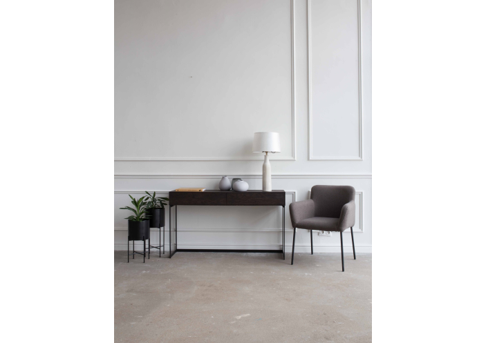 bella-chair_interior_1585644232-ce8d3e2354e3c4d24cfed8206af20acf.jpg