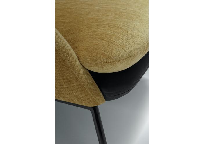 ease-baldai-fotelis-holly-sits-svediija-4_1591947074-405b4eb1076f55b86c090a3ba6e1d5c6.jpg